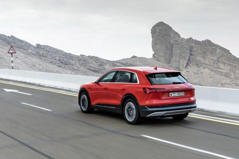 2019 Audi e-Tron 525059