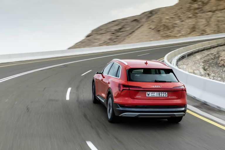 2019 Audi e-Tron 525061