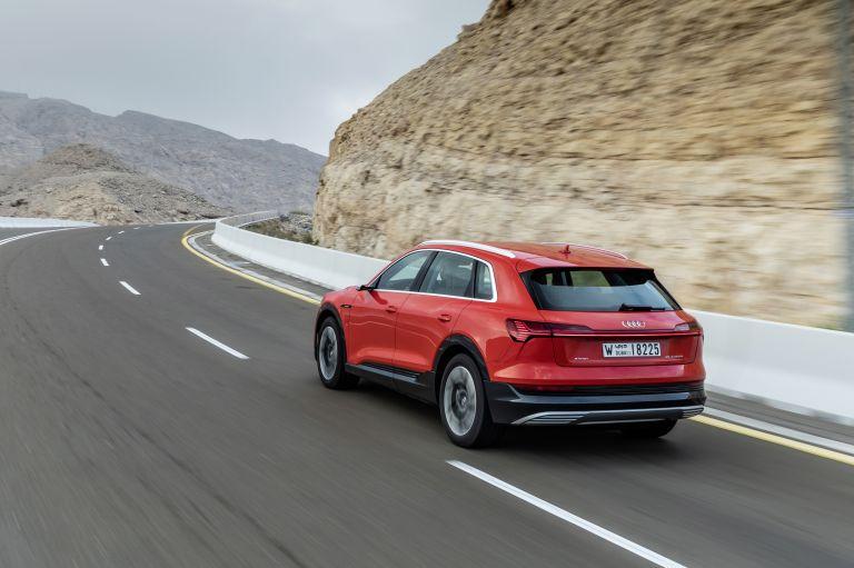 2019 Audi e-Tron 525062