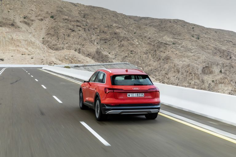 2019 Audi e-Tron 525063