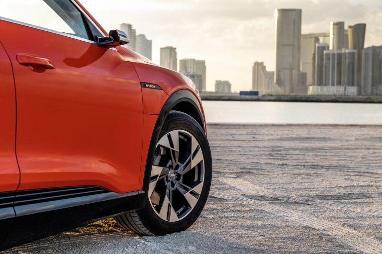 2019 Audi e-Tron 525070