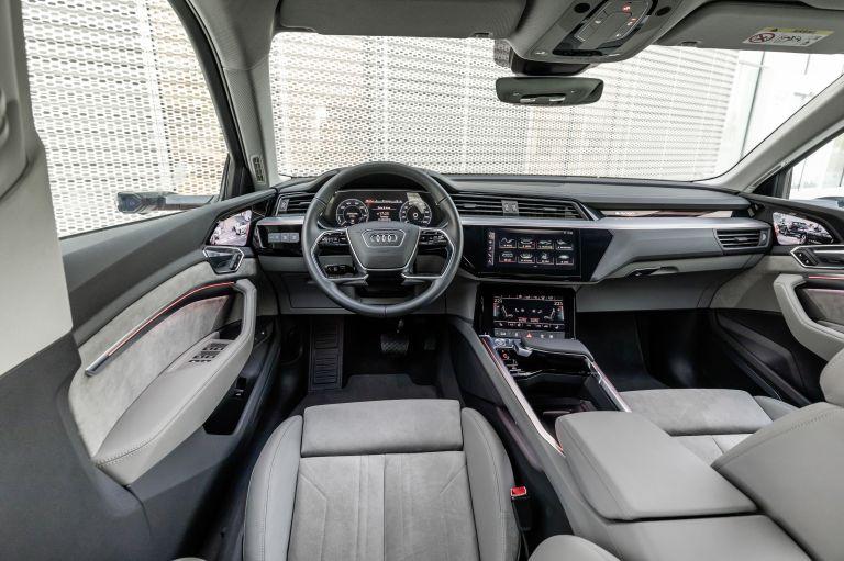 2019 Audi e-Tron 525077
