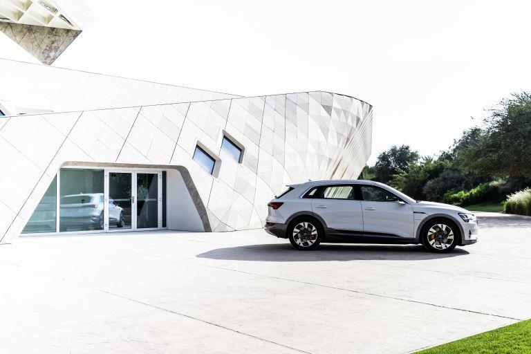 2019 Audi e-Tron 525083