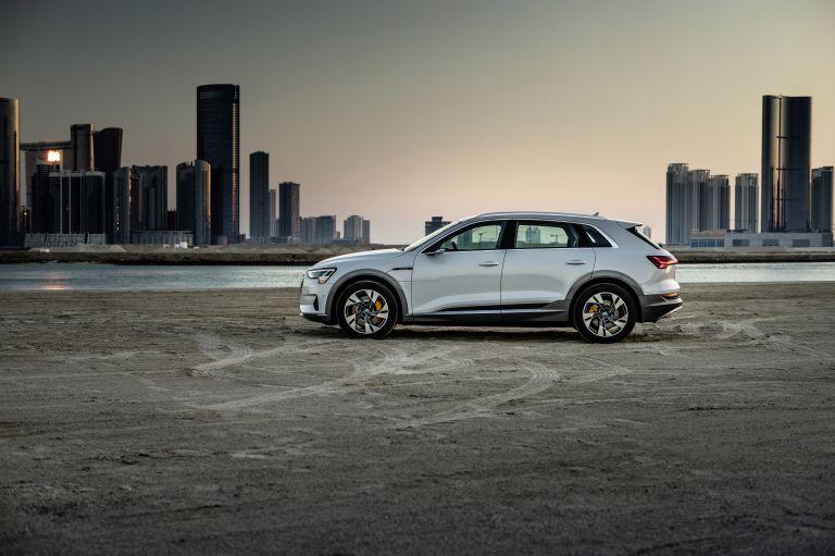 2019 Audi e-Tron 525106