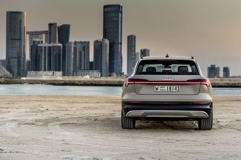 2019 Audi e-Tron 525174