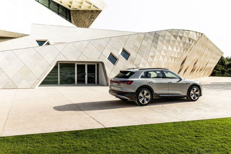 2019 Audi e-Tron 525176