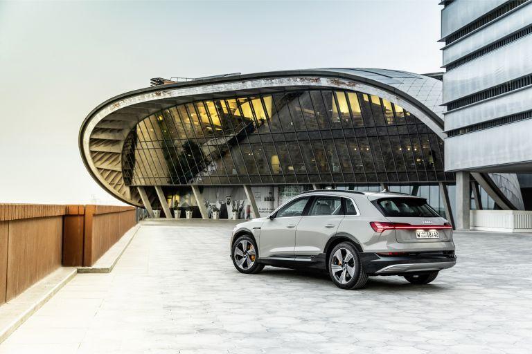 2019 Audi e-Tron 525196