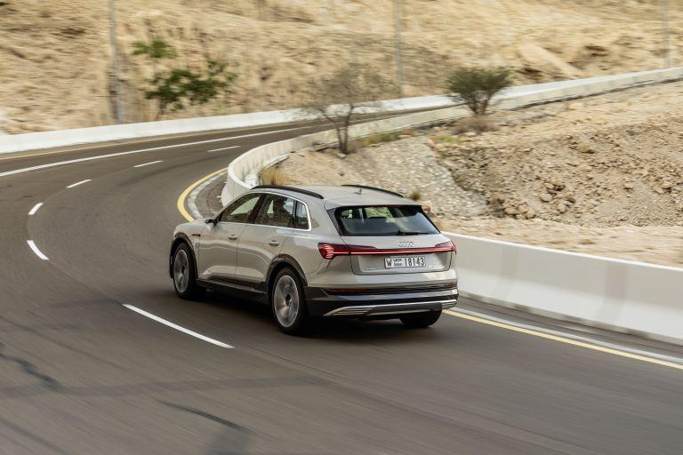 2019 Audi e-Tron 525220
