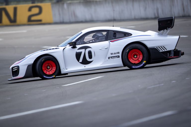 2019 Porsche 935 554340
