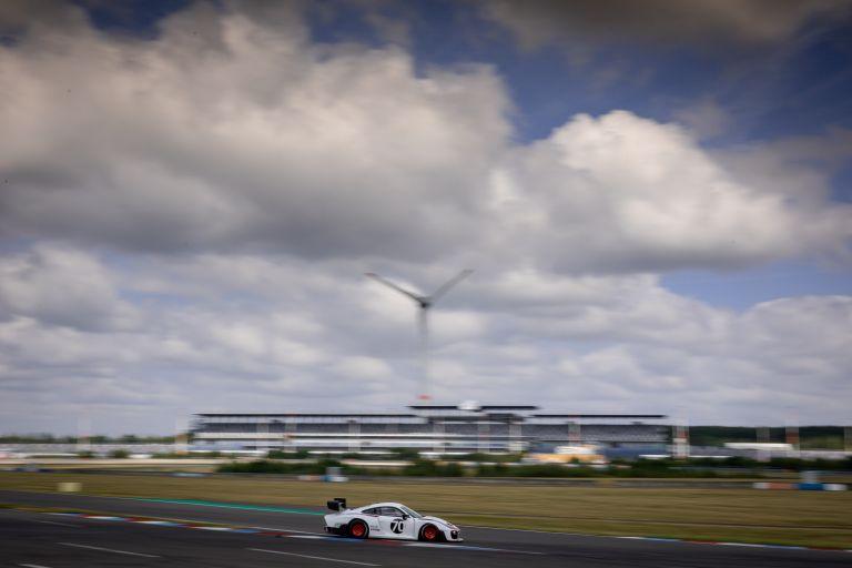 2019 Porsche 935 554344