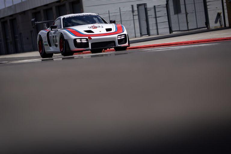 2019 Porsche 935 554347
