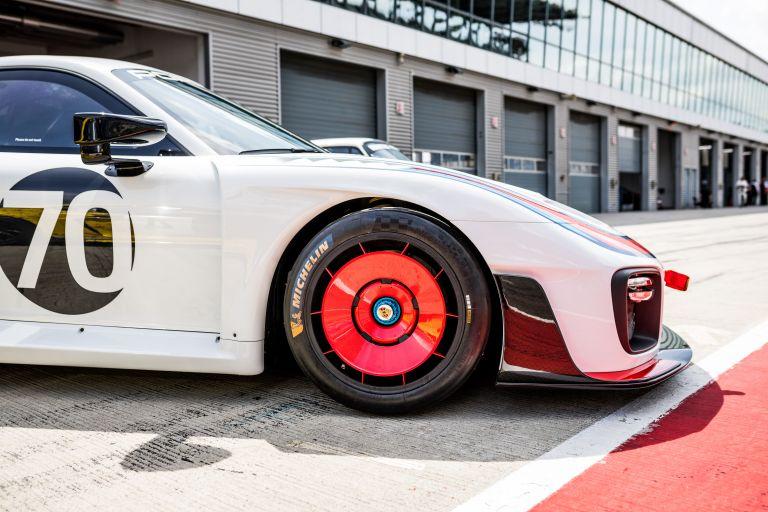 2019 Porsche 935 554366