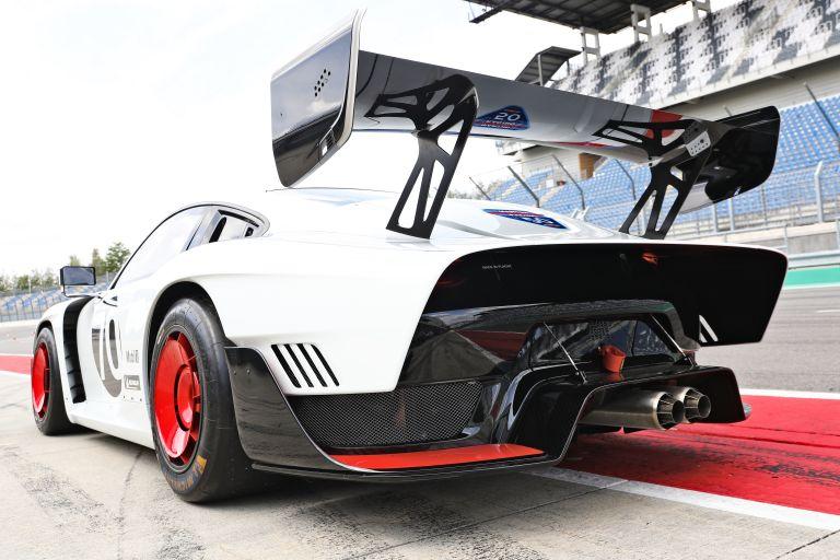 2019 Porsche 935 554376