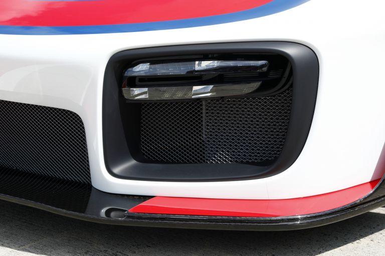 2019 Porsche 935 554386