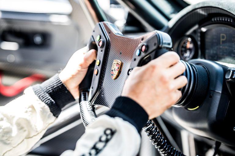 2019 Porsche 935 554428