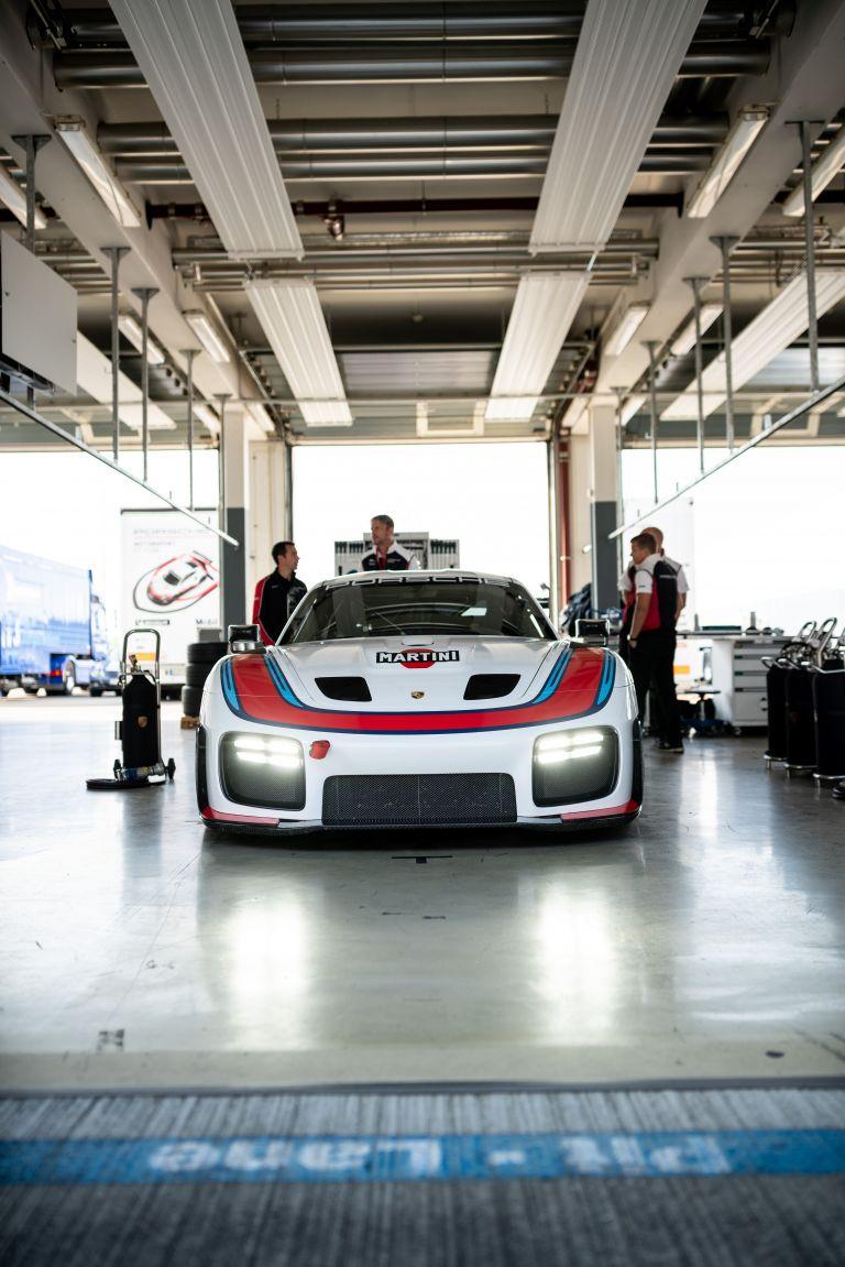 2019 Porsche 935 554638