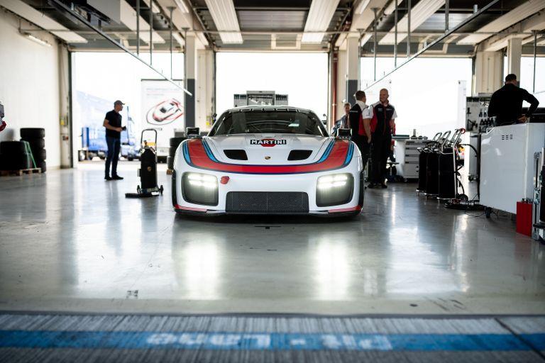 2019 Porsche 935 554639