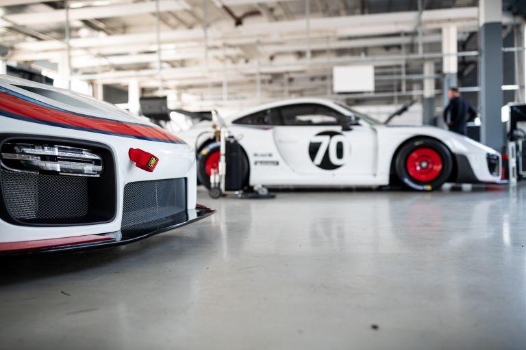2019 Porsche 935 554641