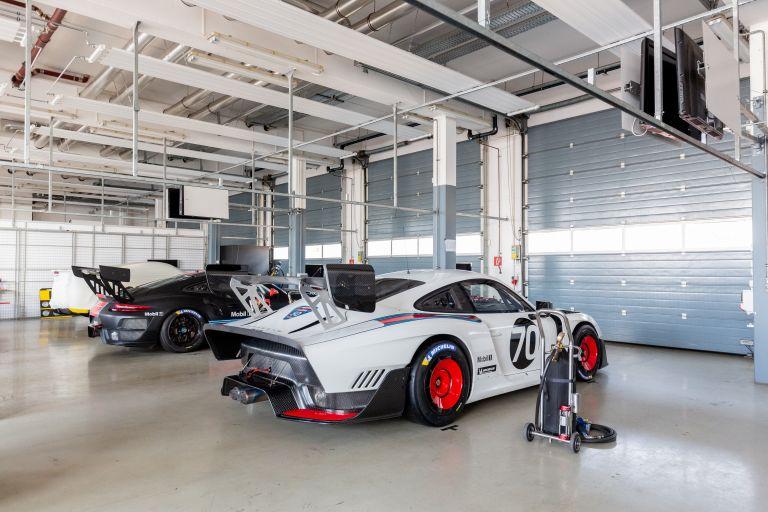 2019 Porsche 935 554644