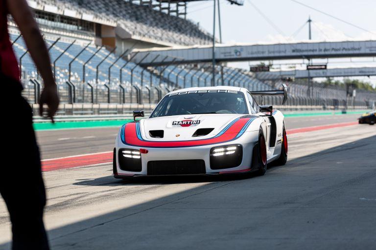2019 Porsche 935 554653