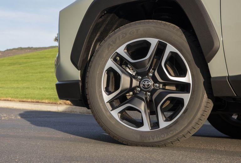 2019 Toyota RAV4 Adventure - Lunar rock 520540