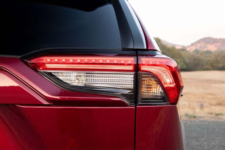 2019 Toyota RAV4 Adventure - Ruby flare pearl 520627