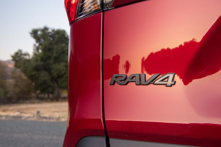 2019 Toyota RAV4 Adventure - Ruby flare pearl 520630