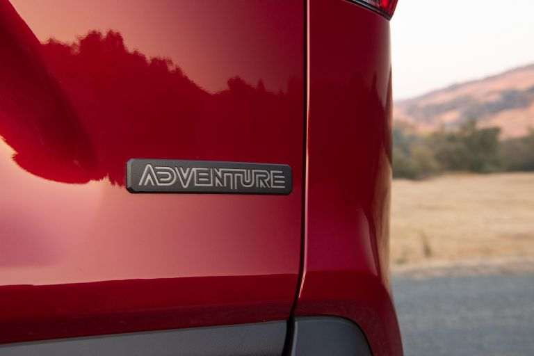2019 Toyota RAV4 Adventure - Ruby flare pearl 520631