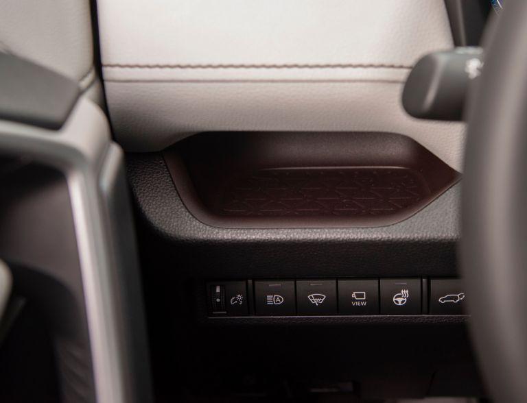 2019 Toyota RAV4 Limited HV - Ruby flare pearl 520741