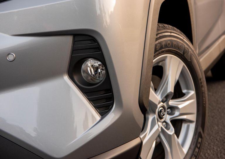2019 Toyota RAV4 XLE FWD - Silver sky metallic 520802