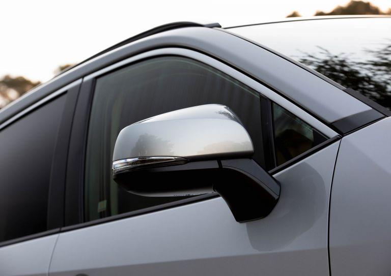 2019 Toyota RAV4 XLE FWD - Silver sky metallic 520807
