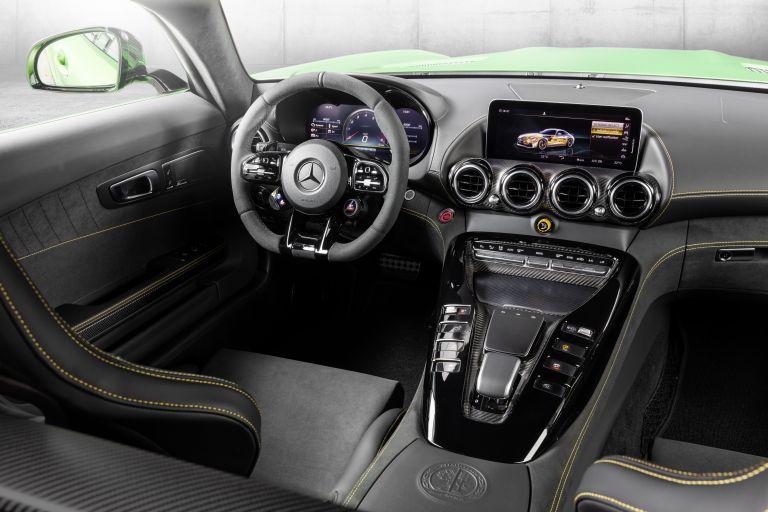 2018 Mercedes-AMG GT R 523495