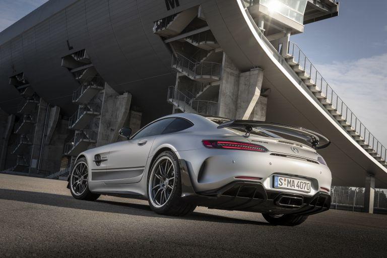 2018 Mercedes-AMG GT R 541523