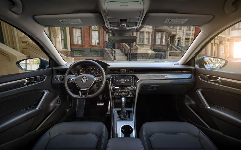 2020 Volkswagen Passat - USA version 532490