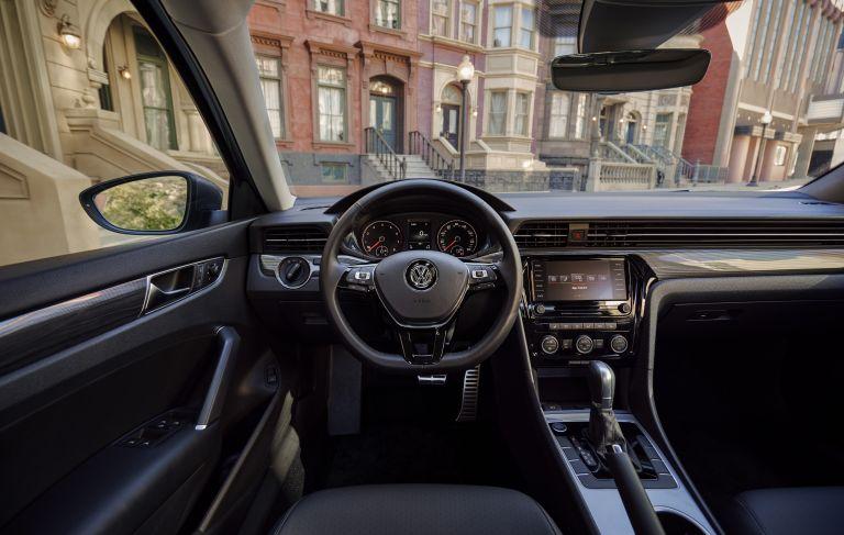 2020 Volkswagen Passat - USA version 532491