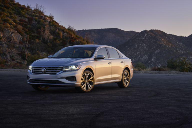 2020 Volkswagen Passat - USA version 569741