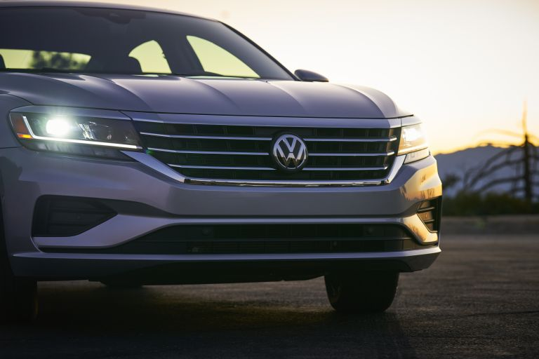 2020 Volkswagen Passat - USA version 569761