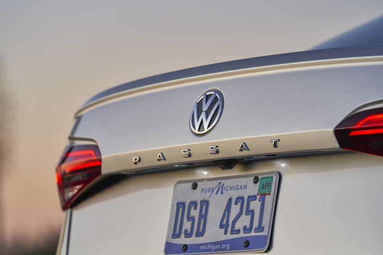 2020 Volkswagen Passat - USA version 569765