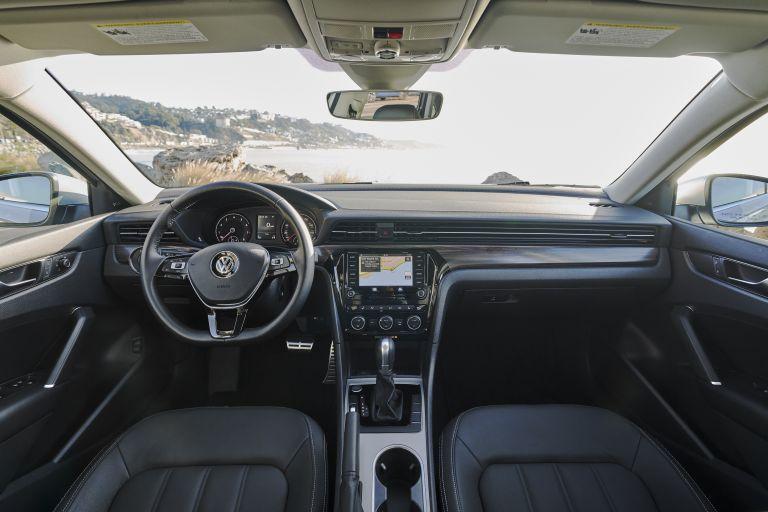 2020 Volkswagen Passat - USA version 569767