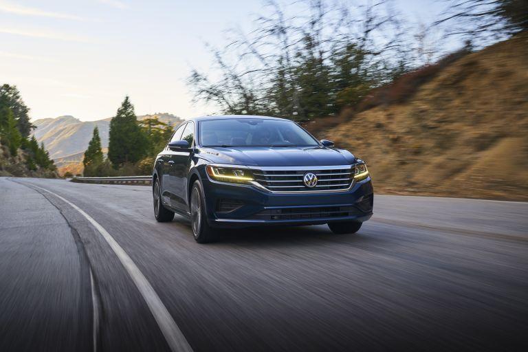2020 Volkswagen Passat - USA version 569777