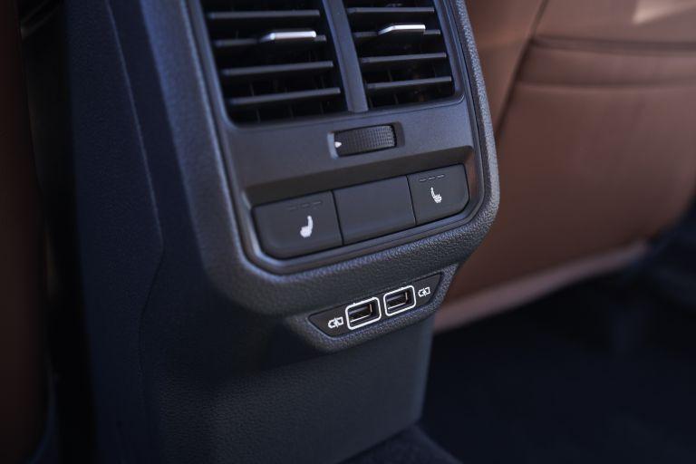 2020 Volkswagen Passat - USA version 569783