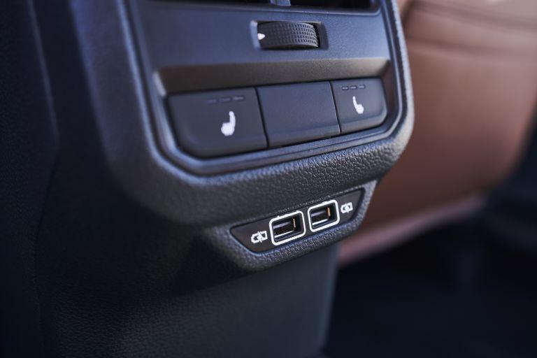 2020 Volkswagen Passat - USA version 569784