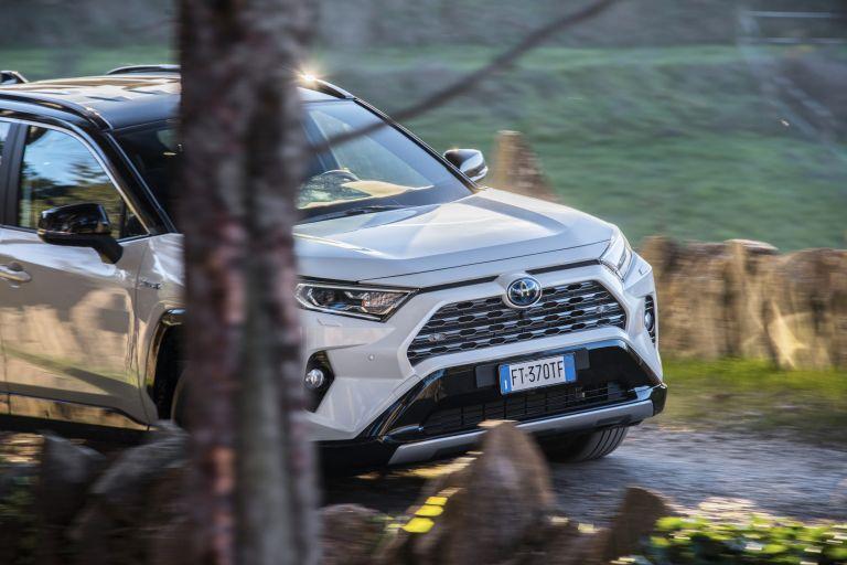 2019 Toyota RAV4 Hybrid - EU version 532975