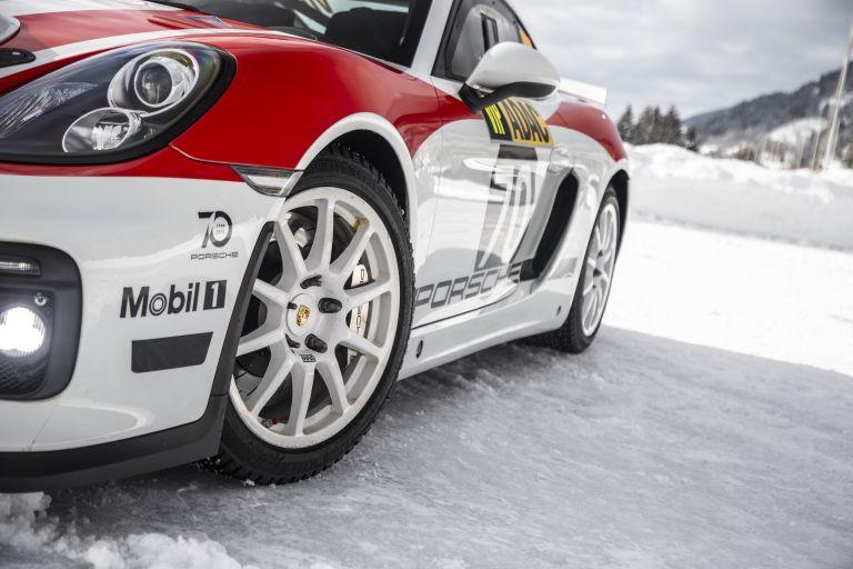 2019 Porsche Cayman GT4 rally 534311