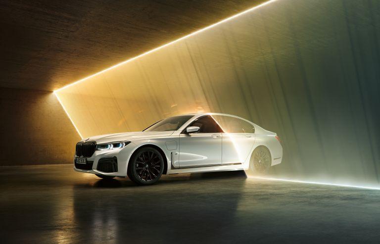 2019 BMW 745e 535622