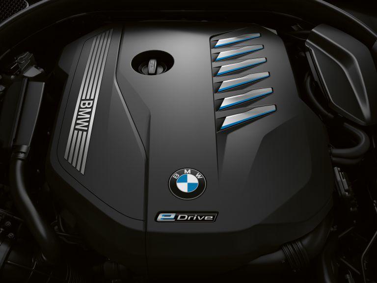 2019 BMW 745e 535628