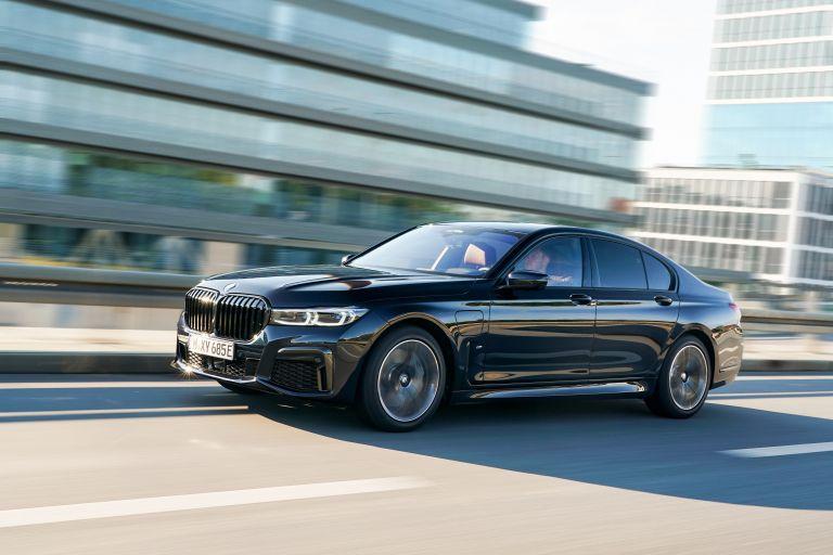2019 BMW 745e 595277