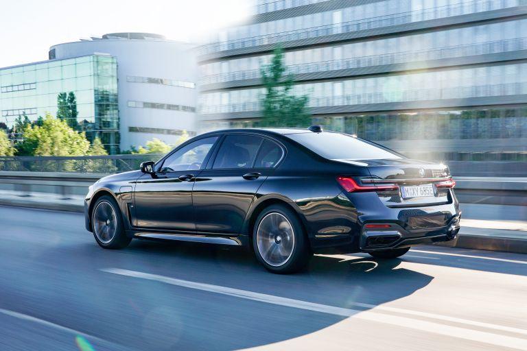 2019 BMW 745e 595278
