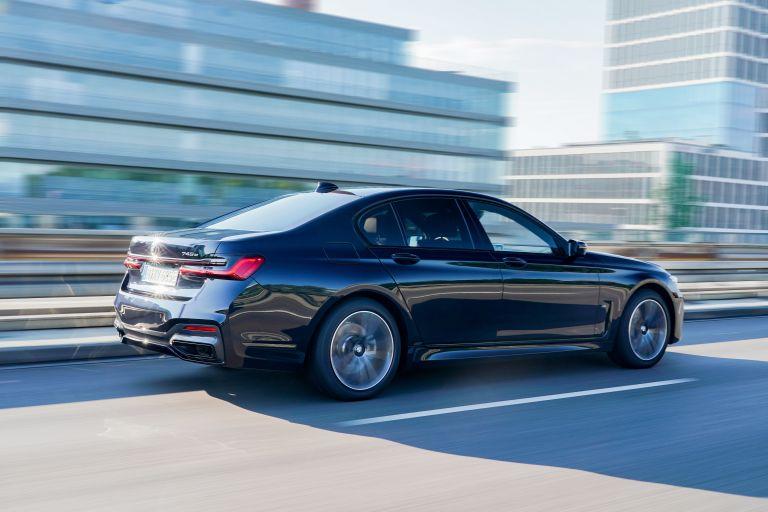 2019 BMW 745e 595279