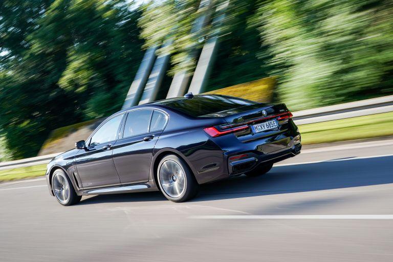 2019 BMW 745e 595283
